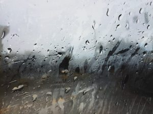 11 Safety Tips For Driving in The Rain